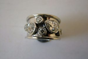 Platinum heavy ring